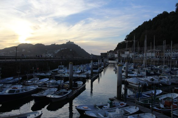 lost_in_la_concha_puerto_barcos_donostia_san_sebastian_euskadi_pais_vasco