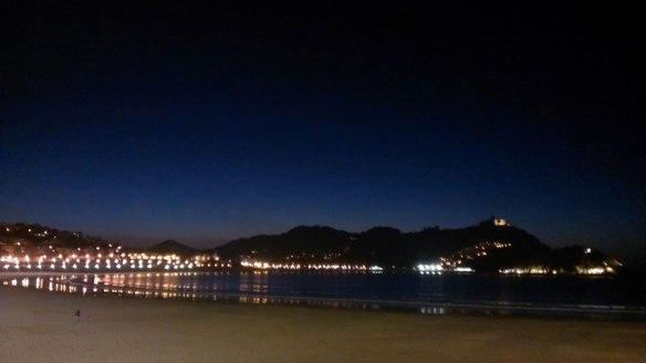 lost_in_la_concha_playa_bahia_donostia_san_sebastian_euskadi_pais_vasco