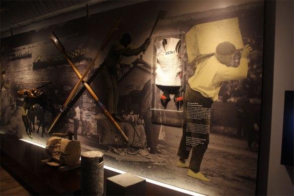 lost_in_la_concha_museo_san_telmo_museoa_harrijasotzaile_donostia_san_sebastian_pais_vasco_euskadi