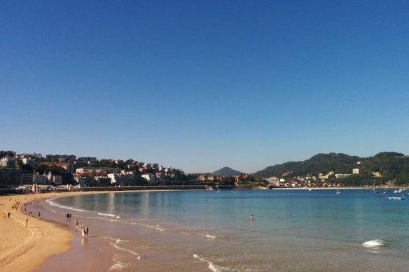 lost_in_la_concha_playa_donostia_san_sebastian_euskadi_pais_vasco